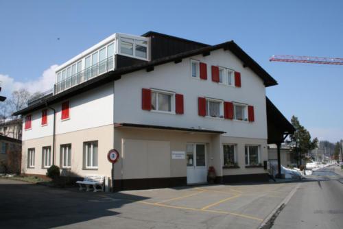 Klostermühlestrasse 3 - Eingang Bibliothek