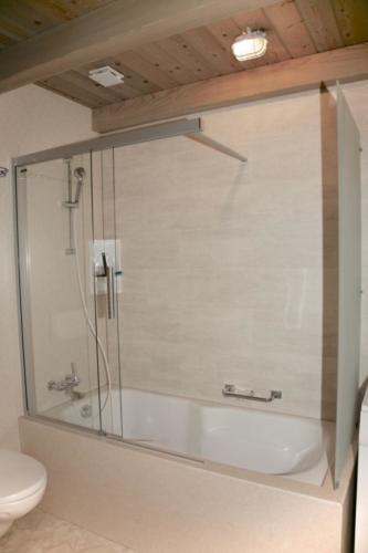 Badezimmer (Badewanne)